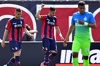 esultanza gol Diego Falcinelli goal celebration<br /> Crotone 09-04-2017, Stadio Stadio Ezio Scida, Football Calcio 2016/2017 Serie A, Crotone - Inter, Foto Image Sport/Insidefoto