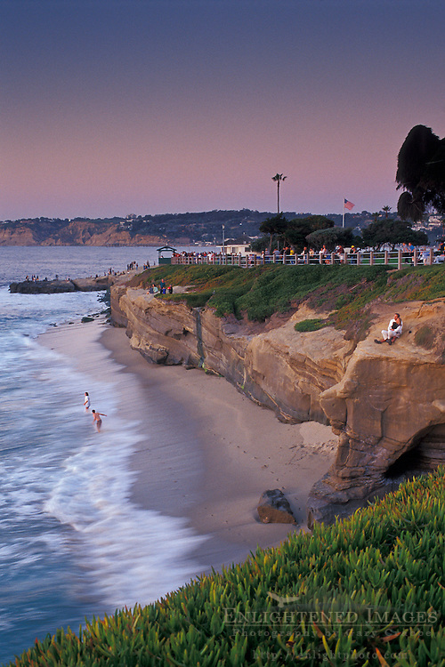 Evening lights over the cliffs of La Jolla Cove+from Scripps Park, La Jolla, San Diego County, CALIFORNIA