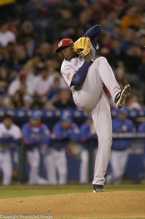 Team USA starter Dontrelle Willis throws a pitch in the 2nd inning against Team Korea in Round 2 action at Angel Stadium of Anaheim.