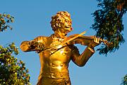 Johann-Strauß-Denkmal, Stadtpark, Jugendstil, Ringstraße, Wien, Österreich .|.Johann Strauß memorial, City Park, art nouveau, Ringroad, Vienna, Austria..