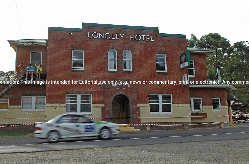 General View of action in front of Longley Hotel .Day 1.Targa Wrest Point 2010.Southern Tasmania.30th of January 2010.(C) Joel Strickland Photographics.Use information: This image is intended for Editorial use only (e.g. news or commentary, print or electronic). Any commercial or promotional use requires additional clearance.
