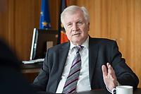 20 JUN 2018, BERLIN/GERMANY:<br /> Horst Seehofer, CSU, Bundesinnenminister, waehrend einem Interview, in seinem Buero, Bundesministerium des Inneren<br /> IMAGE: 20180620-02-013<br /> KEYWORDS: Büro