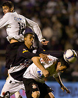 20090603: RIO DE JANEIRO, BRAZIL - Corinthians vs Santos FC – Semi Finals: Brazilian Cup 2009. In picture: Diego and Chicao (Corinthians), Elton (Vasco). PHOTO: CITYFILES