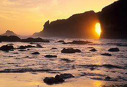 North America, United States, Washington, Olympic National Park, Natural Arch at Second Beach during sunset