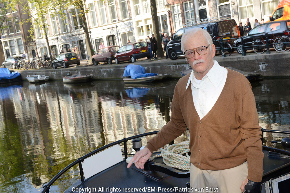 Jackass Johnny Knoxville - Bad Grandpa Perspresentatie in Hotel The Grand, Amsterdam.<br /> <br /> Jackass Johnny Knoxville - Bad Grandpa Press conference at Hotel The Grand, Amsterdam.<br /> <br /> Op de foto / On the photo:  Johnny Knoxville als Grandpa in de grachten van Amsterdam / Johnny Knoxville as Grandpa in the canals of Amsterdam