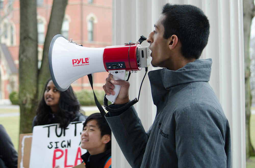 2016-03-02-Medford/Somerville-Tufts University-Members of Tufts Labor Coalition and supporters rally on Wednesday Mar. 2 to demand a Project Labor Agreement from Tufts, which would guarantee the hiring of union-only labor for large construction projects (Alex Knapp / The Tufts Daily).