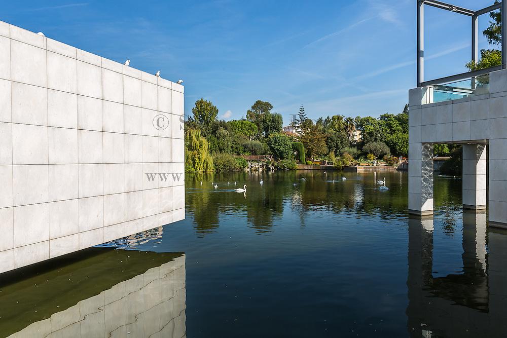 Vue sur les basins du parc Phoenix depuis le musée des Arts Asiatiques // View of Phoenix park ponds from Asiatic arts museum.