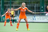 EINDHOVEN - Xan de Waard, zaterdag bij de oefenwedstrijd tussen het Nederlands team van Jong Oranje Dames en dat van de Vernigde Staten. Volgende week gaat het WK-21 in Duitsland van start. FOTO KOEN SUYK