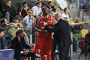 DESCRIZIONE : Roma Lega A 2012-2013 Acea Roma Trenkwalder Reggio Emilia playoff quarti di finale gara 7<br /> GIOCATORE : Taylor Donell Massimiliano Menetti<br /> CATEGORIA : fair play curiosita<br /> SQUADRA : Trenkwalder Reggio Emilia<br /> EVENTO : Campionato Lega A 2012-2013 playoff quarti di finale gara 7<br /> GARA : Acea Roma Trenkwalder Reggio Emilia<br /> DATA : 21/05/2013<br /> SPORT : Pallacanestro <br /> AUTORE : Agenzia Ciamillo-Castoria/M.Simoni<br /> Galleria : Lega Basket A 2012-2013  <br /> Fotonotizia : Roma Lega A 2012-2013 Acea Roma Trenkwalder Reggio Emilia playoff quarti di finale gara 7<br /> Predefinita :