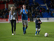 06/10/2017 - St Johnstone v Dundee - Dave Mackay testimonial at McDiarmid Park, Perth, Picture by David Young - Dave Mackay and family at the end