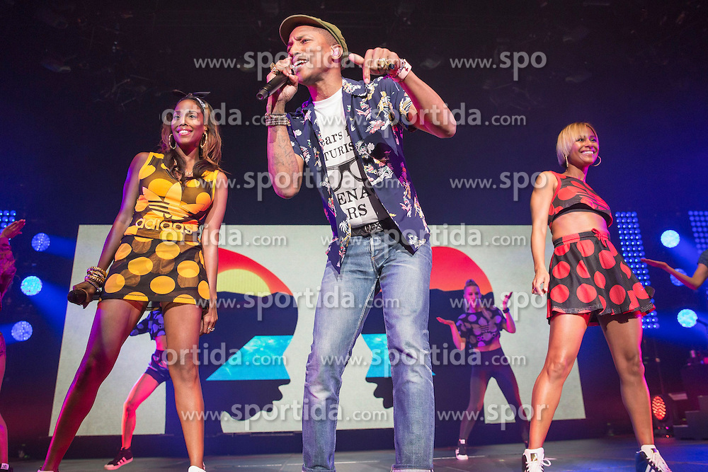 Pharrell Williams performs at Leeds Arena, Leeds, England, 12th June 2015. EXPA Pictures &copy; 2015, PhotoCredit: EXPA/ Photoshot/ Mike Gray<br /> <br /> *****ATTENTION - for AUT, SLO, CRO, SRB, BIH, MAZ only*****
