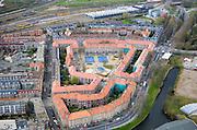 Nederland, Amsterdam, Van Diemenstraat, 16-04-2008; bouwblok in de Spaandammerbuurt, links (naar boven) de Hembrugstraat, onder (naar midden rechts) de Spaandammerdijk;.boven in beeld: rangeeremplacement  van de nederlandse spoorwegen; NS, rangeer terrein, emplacement..luchtfoto (toeslag); aerial photo (additional fee required); .foto Siebe Swart / photo Siebe Swart