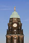 Neues Rathaus, Rathausturm mit Rathausmann, Dresden, Sachsen, Deutschland.|.New guildhall, guildhall tower with golden sculpture, Dresden, Germany
