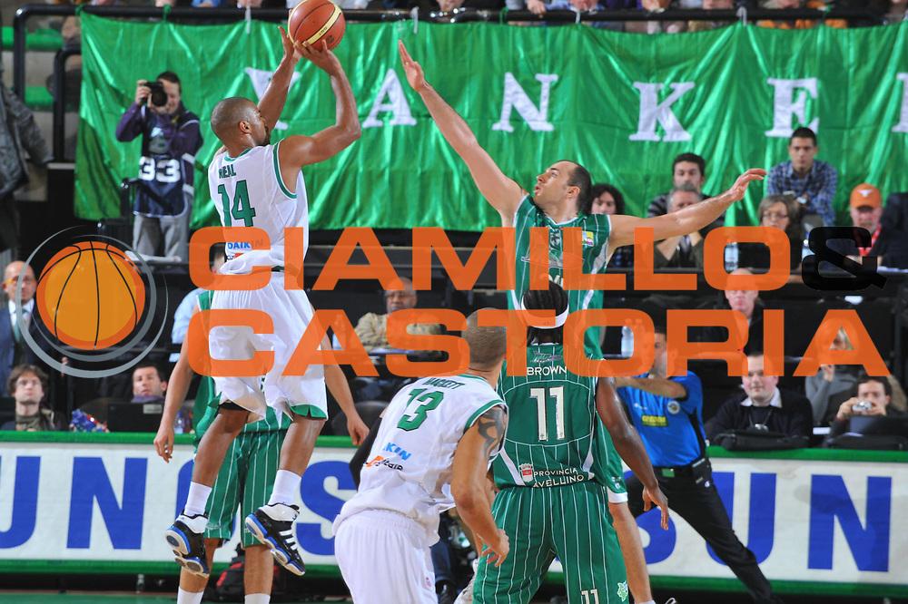 DESCRIZIONE : Treviso Lega A 2009-10 Basket Benetton Treviso Air Avellino<br /> GIOCATORE : Gary Neal<br /> SQUADRA : Benetton Treviso<br /> EVENTO : Campionato Lega A 2009-2010<br /> GARA : Benetton Treviso Air Avellino<br /> DATA : 27/02/2010<br /> CATEGORIA : Tiro<br /> SPORT : Pallacanestro<br /> AUTORE : Agenzia Ciamillo-Castoria/M.Gregolin<br /> Galleria : Lega Basket A 2009-2010 <br /> Fotonotizia : Treviso Campionato Italiano Lega A 2009-2010 Benetton Treviso Air Avellino<br /> Predefinita :