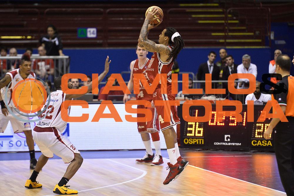DESCRIZIONE : Campionato 2013/14 Quarti di Finale GARA 2 Olimpia EA7 Emporio Armani Milano - Giorgio Tesi Group Pistoia<br /> GIOCATORE : David Moss<br /> CATEGORIA : Tiro Tre Punti Controcampo<br /> SQUADRA : Olimpia EA7 Emporio Armani Milano<br /> EVENTO : LegaBasket Serie A Beko Playoff 2013/2014<br /> GARA : Olimpia EA7 Emporio Armani Milano - Giorgio Tesi Group Pistoia<br /> DATA : 21/05/2014<br /> SPORT : Pallacanestro <br /> AUTORE : Agenzia Ciamillo-Castoria / GiulioCiamillo<br /> Galleria : LegaBasket Serie A Beko Playoff 2013/2014<br /> Fotonotizia : Campionato 2013/14 Quarti di Finale GARA 2 Olimpia EA7 Emporio Armani Milano - Giorgio Tesi Group Pistoia<br /> Predefinita :