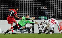 Fotball<br /> Tyskland<br /> Foto: Witters/Digitalsport<br /> NORWAY ONLY<br /> <br /> 20.10.2009<br /> <br /> 0:2 Tor von Jesus Navas, VfB Torwart Jens Lehmann geschlagen, Arthur Boka<br /> Champions League VfB Stuttgart - FC Sevilla