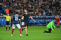 Intrus sur le terrain - 07.06.2015 - France  / Belgique - Match amical<br />Photo : Dave Winter / Icon Sport