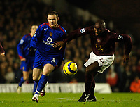 Photo: Daniel Hambury.<br />Arsenal v Manchester United. The Barclays Premiership.<br />03/01/2006.<br />Arsenal's Sol Campbell chases United's Wayne Rooney.