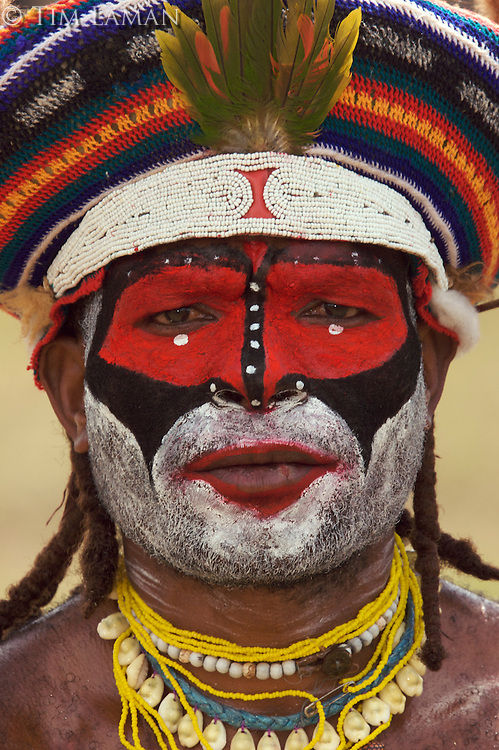 Man from Western Highlands Province..Mount Hagen, Western Highlands Province, Papua New Guinea.
