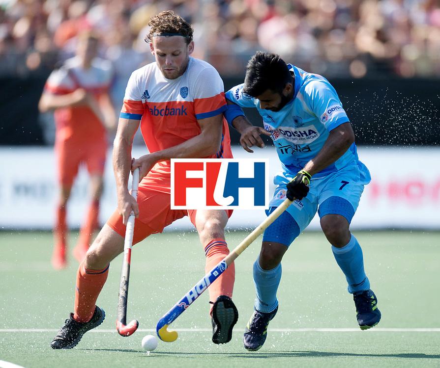 BREDA - Rabobank Hockey Champions Trophy<br /> The Netherlands - India<br /> Photo: Bob de Voogd and Manpreet Singh.<br /> COPYRIGHT WORLDSPORTPICS FRANK UIJLENBROEK