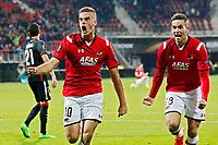 ALKMAAR - 01-10-15, AZ - Athletic Bilbao, Europa League, AFAS Stadion, AZ speler Markus Henriksen (l) juicht nadat hij de 1-0 heeft gescoord, AZ speler Vincent Janssen, juichen.
