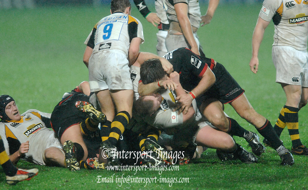 Watford, GREAT BRITAIN, in the EDF Energy Cup, Saracens vs London Wasps at Vicarage Road, on Fri 01.12.2006, Watford, ENGLAND. Photo  Peter Spurrier. .