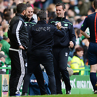 31/10/15 LADBROKES PREMIERSHIP<br /> CELTIC v ABERDEEN<br /> CELTIC PARK - GLASGOW<br /> Celtic manager Ronny Deila (right) celebrates with his back room staff after his side take a three-goal lead