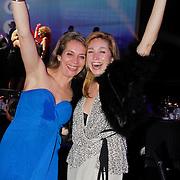 NLD/Hilversum/20120205 - Concert tbv Stichting DON, Do, Dominique van Hulst en vriendin