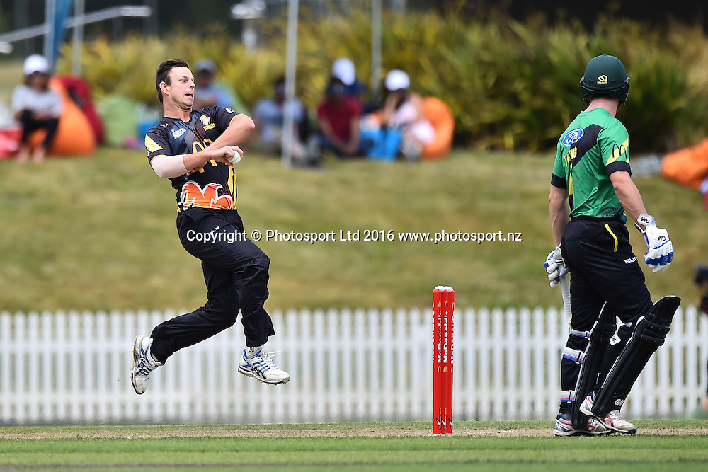 Wellington player Evan Gulbis during their McDonalds Super Smash T20 match Central Stags v Wellington Firebirds. Saxton Oval, Nelson, New Zealand. Sunday 18 December 2016. ©Copyright Photo: Chris Symes / www.photosport.nz