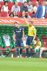 15.08.2015, WWK Arena, Augsburg, GER, 1. FBL, FC Augsburg vs Hertha BSC, 1. Runde, im Bild Hertha BSC Berlin Roy Beerens erhaelt fuer sein Foul die rote Karte // during the German Bundesliga 1st round match between FC Augsburg and Hertha BSC at the WWK Arena in Augsburg, Germany on 2015/08/15. EXPA Pictures © 2015, PhotoCredit: EXPA/ Eibner-Pressefoto/ Hiermayer<br /> <br /> *****ATTENTION - OUT of GER*****