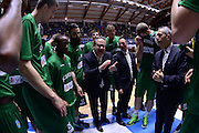 DESCRIZIONE : Brindisi  Lega A 2015-16 Enel Brindisi Sidigas Scandone Avellino<br /> GIOCATORE : Stefano Sacripanti<br /> CATEGORIA : Allenatore Coach Time Out Before Pregame Mani<br /> SQUADRA : Sidigas Scandone Avellino<br /> EVENTO : Enel Brindisi Sidigas Scandone Avellino<br /> GARA :Enel Brindisi Sidigas Scandone Avellino<br /> DATA : 13/03/2016<br /> SPORT : Pallacanestro<br /> AUTORE : Agenzia Ciamillo-Castoria/M.Longo<br /> Galleria : Lega Basket A 2015-2016<br /> Fotonotizia : <br /> Predefinita :