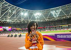 13-08-2017 IAAF World Championships Athletics day 10, London<br /> Sifan Hassan NED heeft haar medaille. Brons op de 5000 meter
