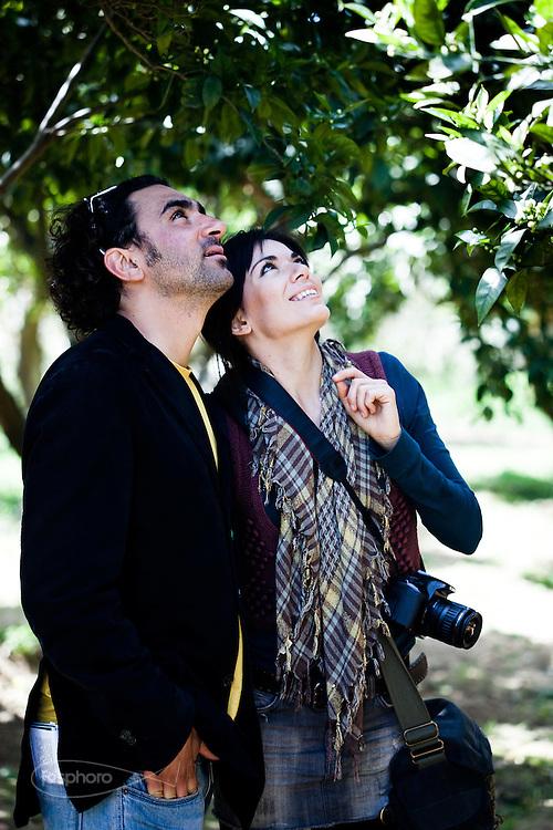 Agrigento, Visitatori al Giardino della Kolymbetra. Proprietà FAI.  ©2012 Vince Cammarata | FOS