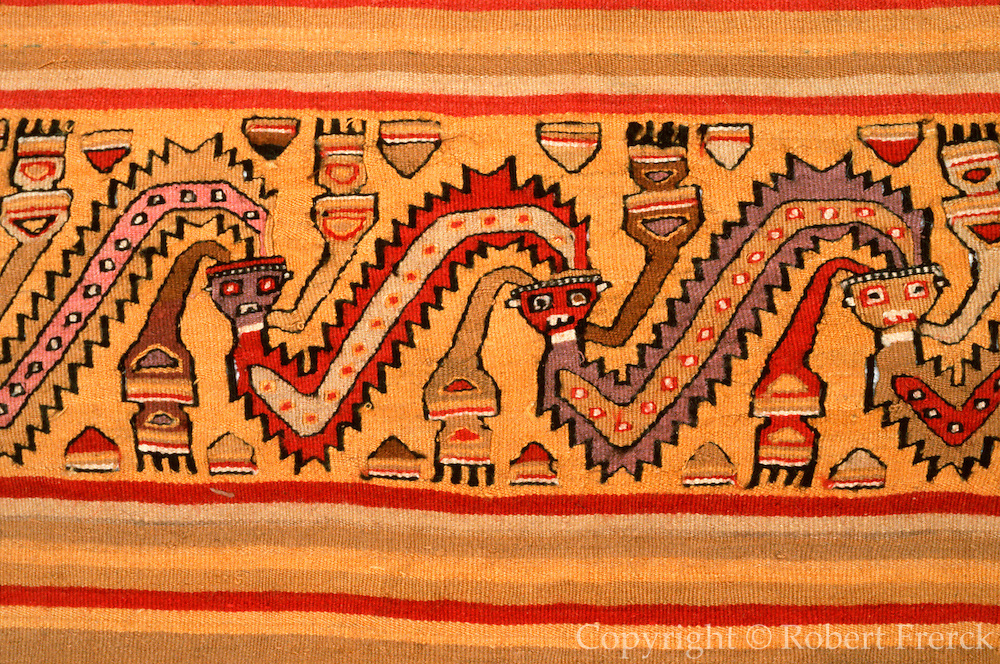 PERU, PRE-COLUMBIAN Chancay; serpents and human heads
