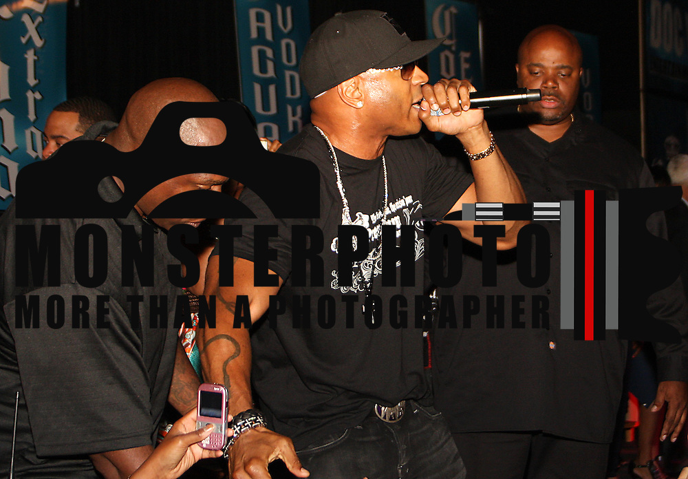 """8/15/08 Wilmington DE """"On the Scene"""" images of Doc B Ladies Love Affair with Special Apperance by Queens own LL Cool J. Thrown by DJ Doc B and DJ Cosmic Kev. LL Cool J does it in Wilmington. Saquan Stimpson/Special to Spark..."""
