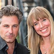 NLD/Amsterdam/20170823 - Premiere Grootste Zwanenmeer ter wereld, Frederik Brom, partner Nienke Römer