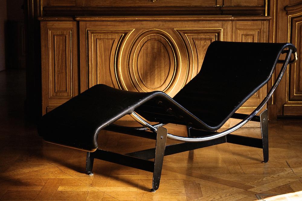 "Chaise lounge, Charlotte Perriand - Le Corbusier - Pierre Jeanneret, ""Chaise longue a reglage continu"" - circa 1940 - Edition Wohnbedarf. Swiss design furniture's sale at the Artcurial Gallery. Paris, France. 4/24/2009. Photo: Antoine Doyen"