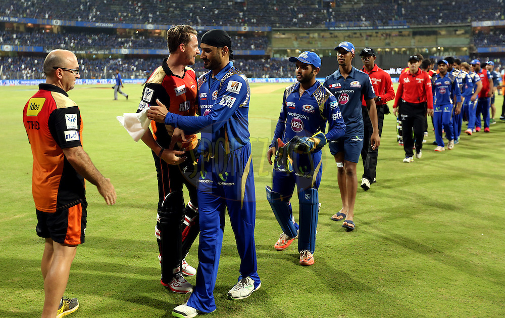 Mumbai Indians players and Sunrisers Hyderabad players shakes hand after the match 23 of the Pepsi IPL 2015 (Indian Premier League) between The Mumbai Indians and The Sunrisers Hyferabad held at the Wankhede Stadium in Mumbai India on the 25th April 2015.<br /> <br /> Photo by:  Sandeep Shetty / SPORTZPICS / IPL
