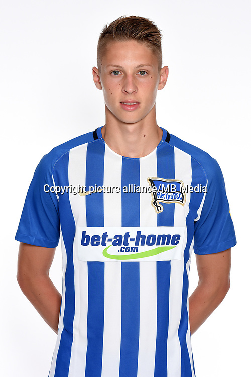 German Bundesliga, official photocall Hertha BSC for season 2017/18 in Berlin, Germany: Palko Dardai.  Copyright: City-Press GbR | usage worldwide