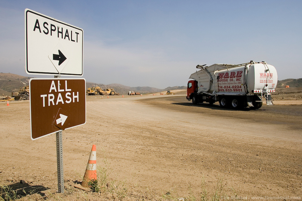 TUESDAY JULY 25, 2006 - LOS ANGELES, CALIF.  Garbage delivery at the Frank R. Bowerman Landfill near Los Angeles in Orange County, Calif. Seattle-based Prometheus is installing a facility to liquify the methane gas the landfill produces and currently flares into the atmosphere.