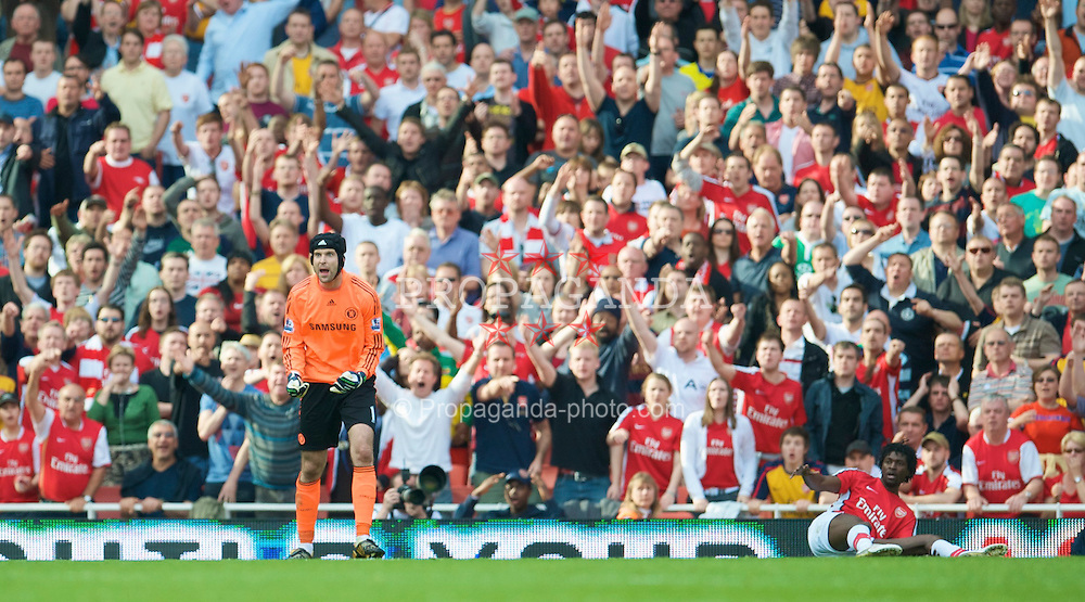 LONDON, ENGLAND - Sunday, May 10, 2009: Arsenal's Emmanuel Adebayor calls for a penalty as Chelsea's goalkeeper Petr Cech is incensed during the Premiership match at the Emirates Stadium. (Photo by David Rawcliffe/Propaganda)