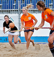 SCHEVENINGEN - Beachhockey in The Hague Beach Stadion. Foto Koen Suyk