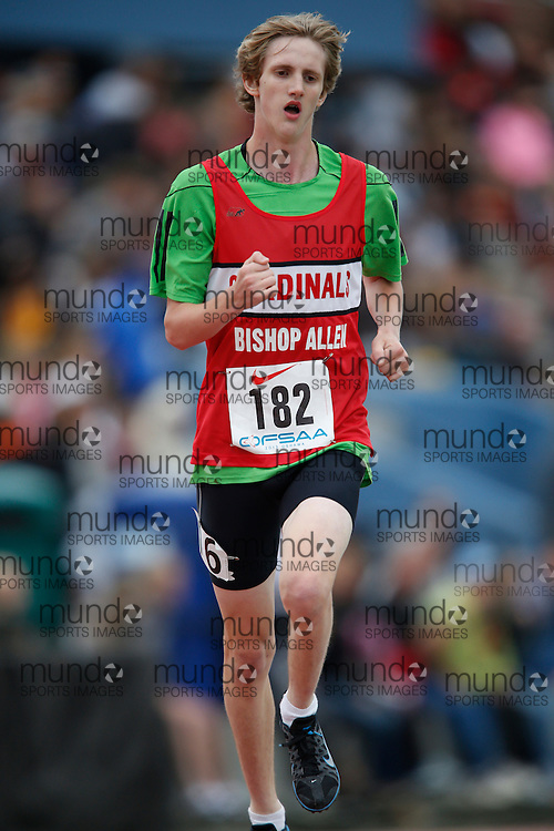 Timothy Mustard of Bishop Allen Academy-Etobicoke competes in the junior boys 3000m at the 2013 OFSAA Track and Field Championship in Oshawa Ontario, Saturday,  June 8, 2013.<br /> Mundo Sport Images/ Geoff Robins