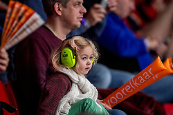 06-01-2018 NED: DELA Beach Open day 4, Den Haag<br /> Jeugd support publiek gehoor oorbeschermers