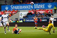 1. divisjon fotball 2018: Aalesund - Åsane (1-0). Aalesunds Torbjørn Agdestein (liggende) med en stor sjanse i kampen i 1. divisjon i fotball mellom Aalesund og Åsane på Color Line Stadion. Keeper Borger Thomas til høyre.