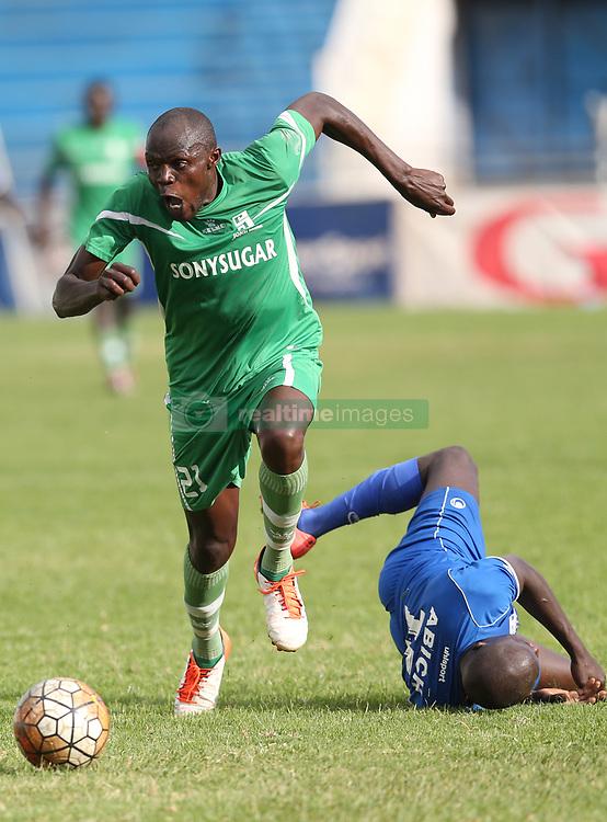Fredrick Onyango of Sony Sugar outpace Noah Abich of Bandari FC during their GOTv Shield quarter finals at Nyayo Stadium in Nairobi on August 19, 2017. Sony won 3-1. Photo/Fredrick Omondi/www.pic-centre.com(KENYA)