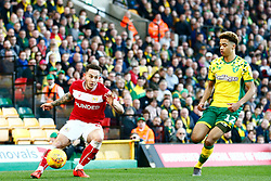 Josh Brownhill of Bristol City crosses the ball - Mandatory by-line: Phil Chaplin/JMP - FOOTBALL - Carrow Road - Norwich, England - Norwich City v Bristol City - Sky Bet Championship