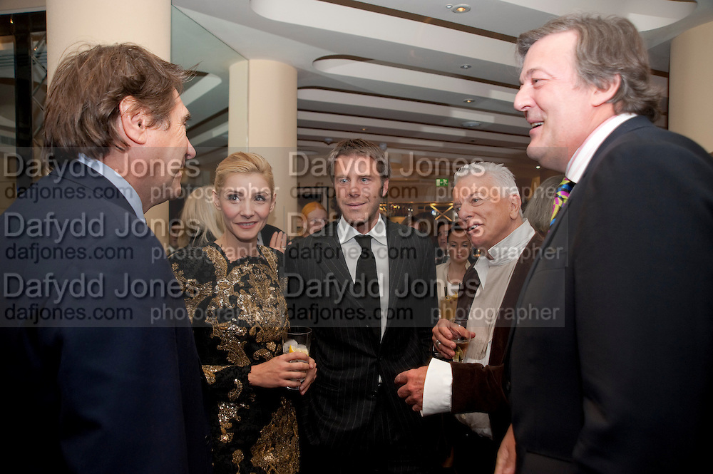 Bryan Ferry; Clotilde, Princess of Venice and Piedmont;; Prince Emanuele Filiberto of Savoia; Nicky Haslam; Stephen Fry,  , Graydon Carter hosts a dinner to celebrate the reopening og the American Bar at the Savoy.  Savoy Hotel, Strand. London. 28 October 2010. -DO NOT ARCHIVE-© Copyright Photograph by Dafydd Jones. 248 Clapham Rd. London SW9 0PZ. Tel 0207 820 0771. www.dafjones.com.