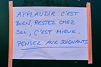 France, Paris (75), affiche Coronavirus dans la rue durant le confinement du Covid 19 // France, Paris, poster for Coronavirus during the containment of Covid 19