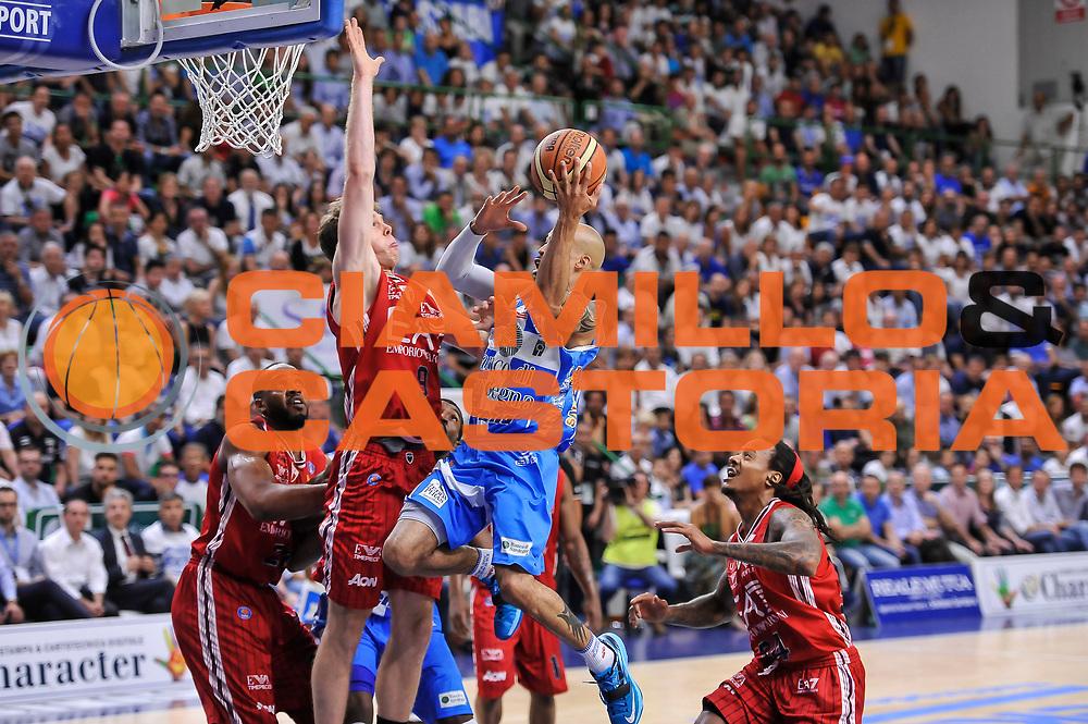 DESCRIZIONE : Campionato 2014/15 Dinamo Banco di Sardegna Sassari - Olimpia EA7 Emporio Armani Milano Playoff Semifinale Gara6<br /> GIOCATORE : David Logan<br /> CATEGORIA : Tiro Penetrazione<br /> SQUADRA : Dinamo Banco di Sardegna Sassari<br /> EVENTO : LegaBasket Serie A Beko 2014/2015 Playoff Semifinale Gara6<br /> GARA : Dinamo Banco di Sardegna Sassari - Olimpia EA7 Emporio Armani Milano Gara6<br /> DATA : 08/06/2015<br /> SPORT : Pallacanestro <br /> AUTORE : Agenzia Ciamillo-Castoria/L.Canu